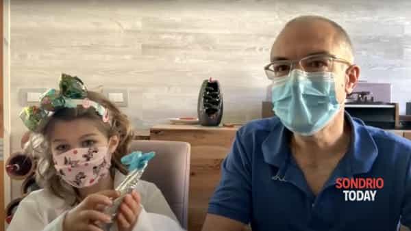 """Coronavirus. Bambini, ecco come ci si lava le mani! La spiegazione del dottor Inzirillo e la """"dottoressa Caramella"""""""