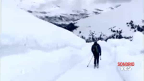Giro d'Italia sul Passo Gavia? C'è ancora tanta neve sulla strada