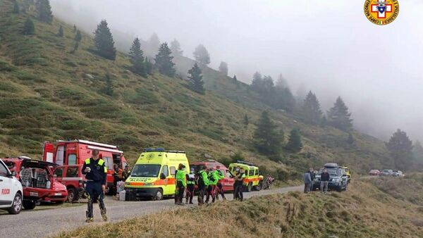 Madesimo, two hikers saved by the Alpine Rescue remain stuck at the Suretta bivouac thumbnail