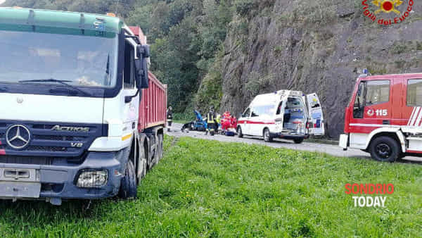 Auto contro camion, incidente frontale a Valle di Colorina