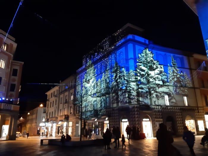 Natale a Sondrio 2019 - %22Bosco incantato%22 in piazza Campello 1